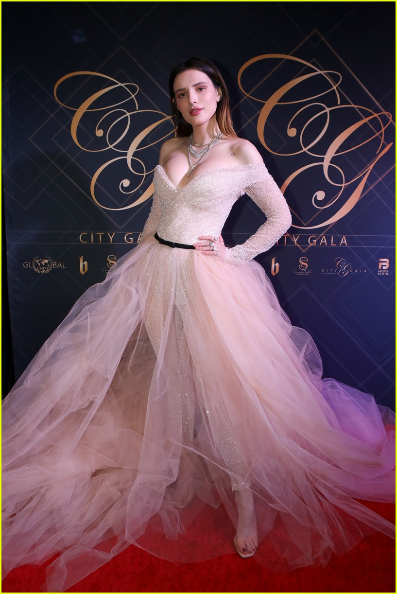 bella thorne city gala 2019 00 1