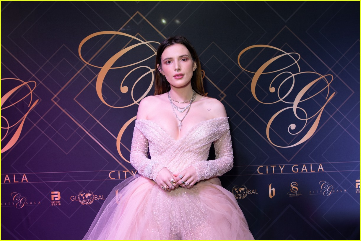 bella thorne city gala 2019 02.