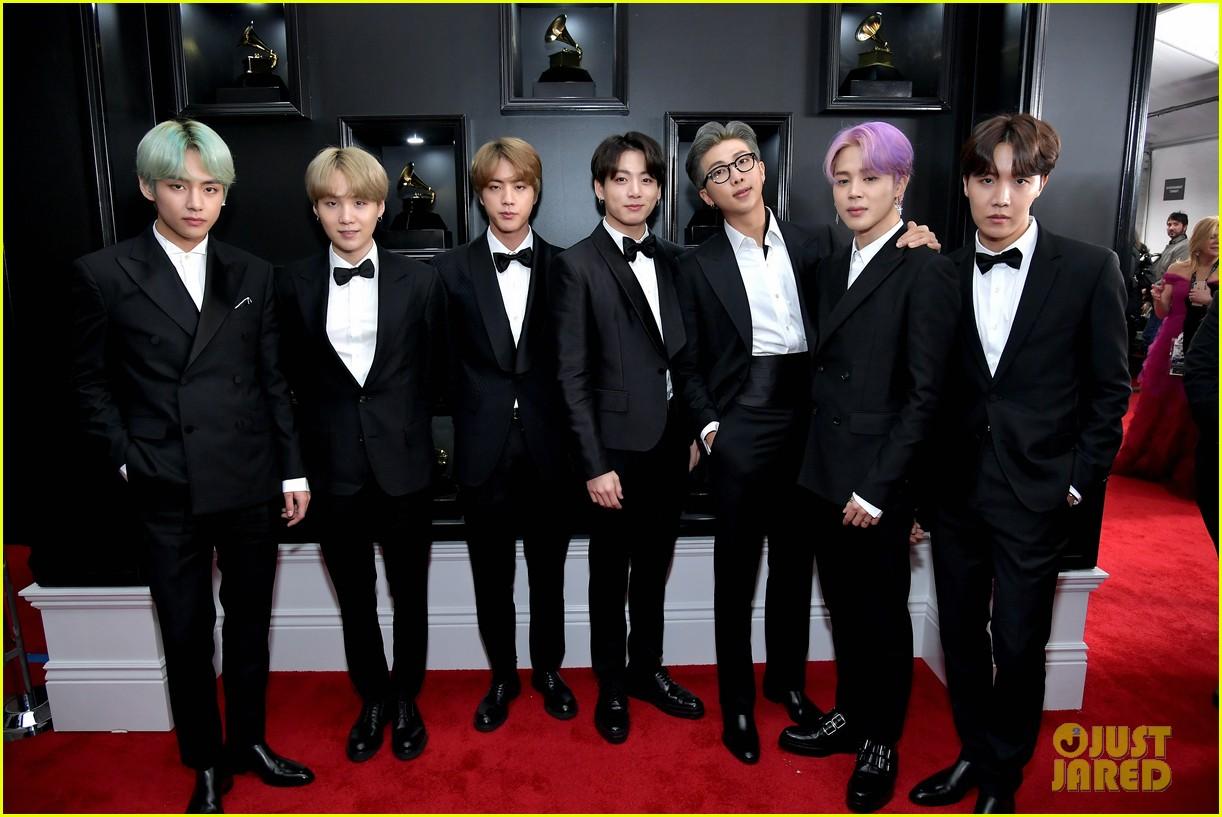 Grammy 2019 Bts: BTS Strike A Pose On The Red Carpet At Grammys 2019
