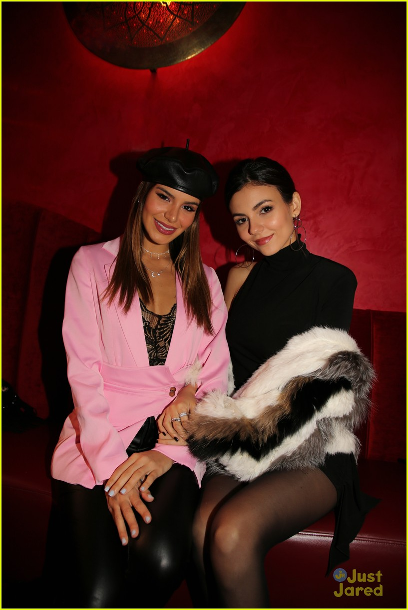 dylan sprouse coach victoria justice cinq nyfw 02