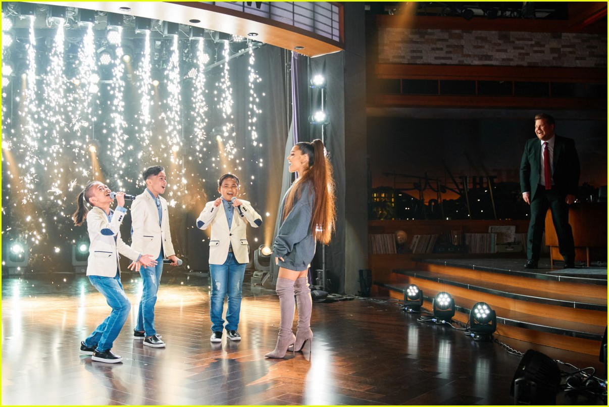 ariana grande surprises the tnt boys 01
