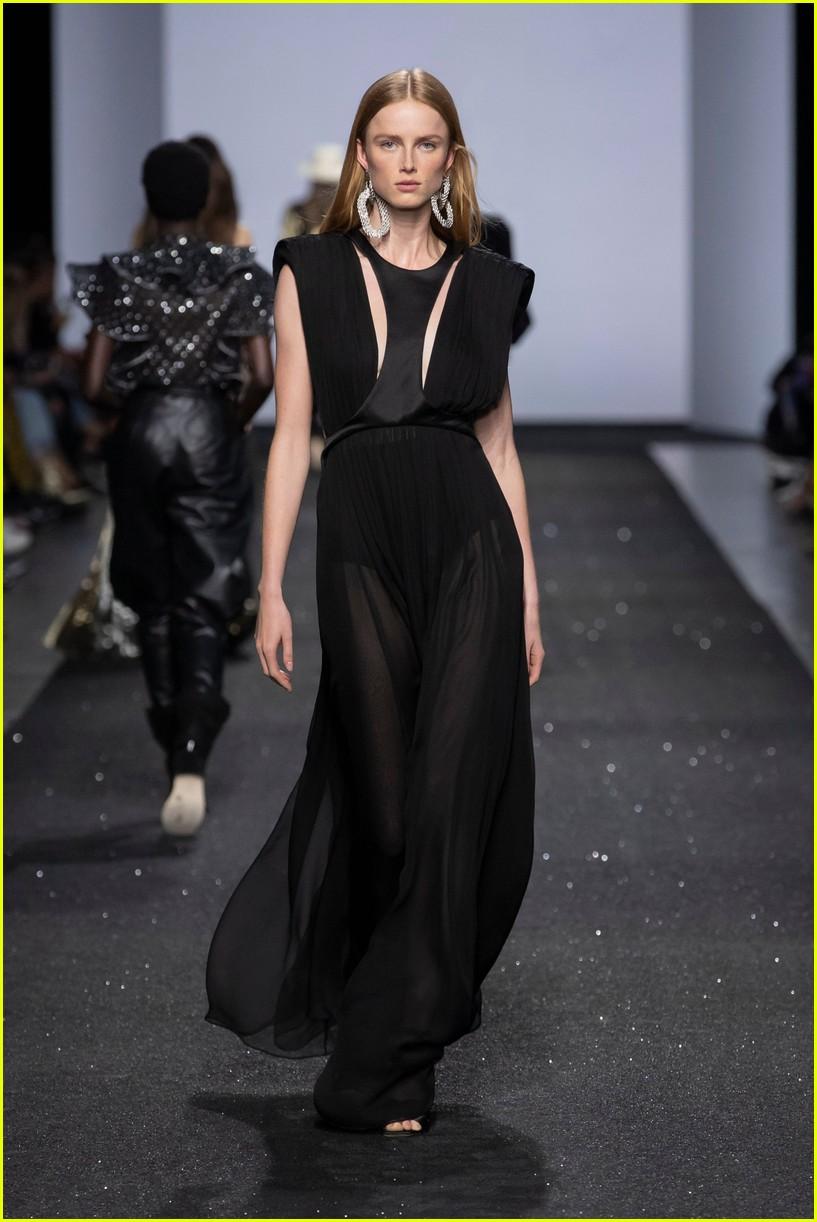 bella hadid rocks two looks at alberta ferrettis milan fashion week show 11