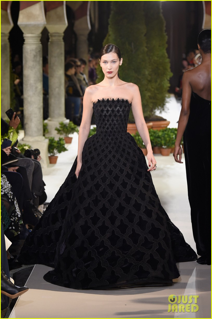 bella hadid stuns at the oscar de la renta fashion show 01