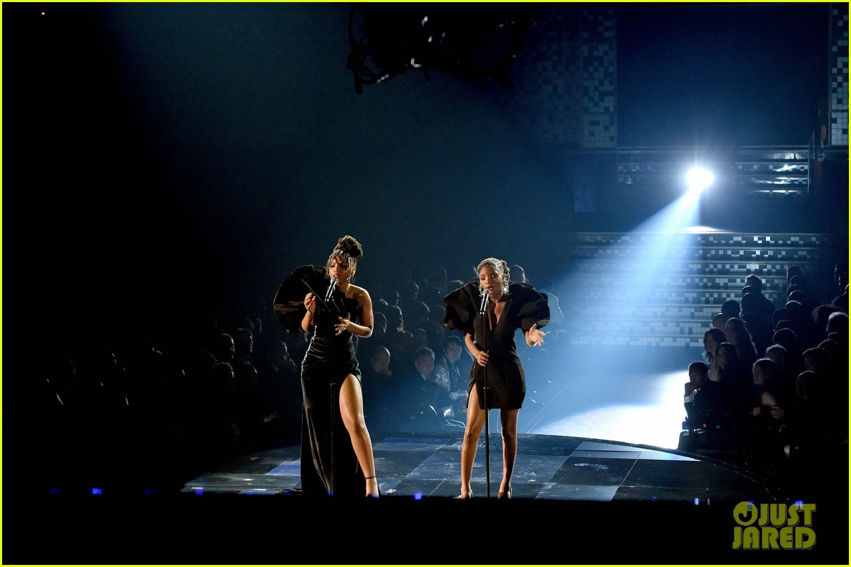 chloe x halle perform where is the love at grammys 07