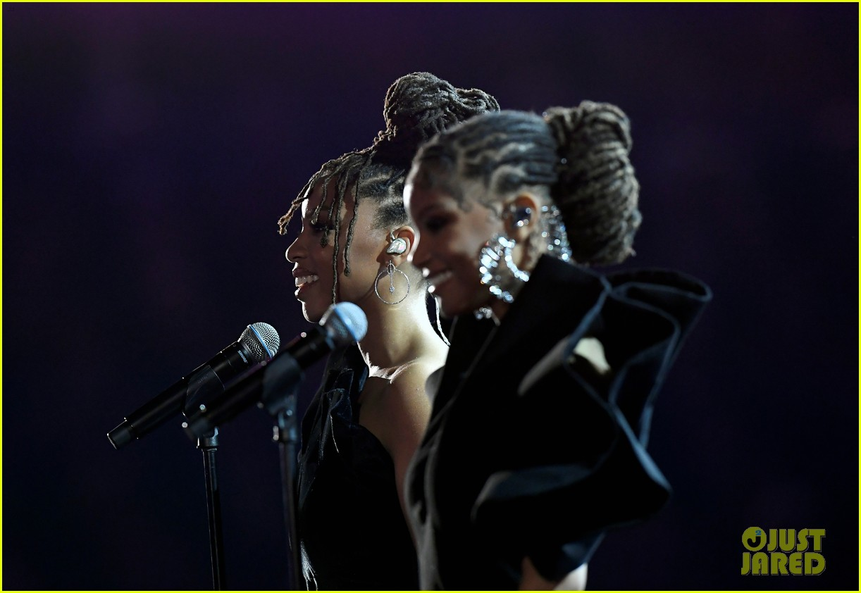 chloe x halle perform where is the love at grammys 11
