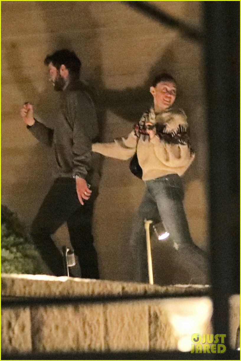 miley cyrus liam hemsworth date night malibu 02