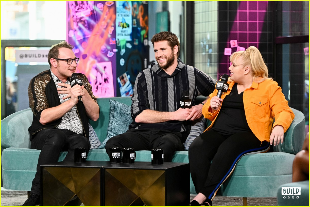 liam hemsworth is such a gentleman according to rebel wilson 20
