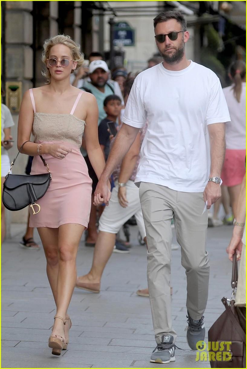 Is Jennifer Lawrence Engaged to Cooke Maroney? | Photo ...