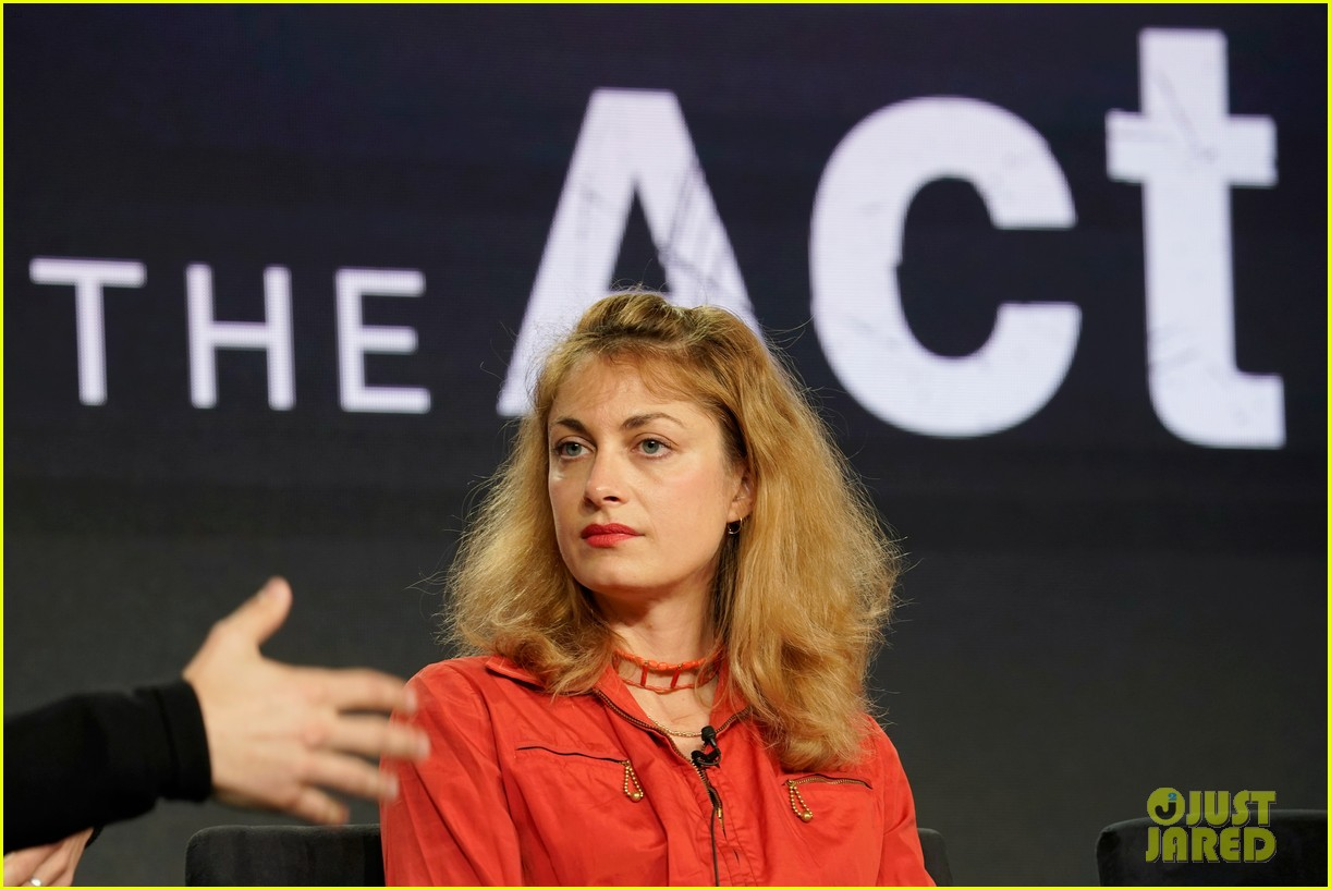 joey king the act hulu tca tour 13