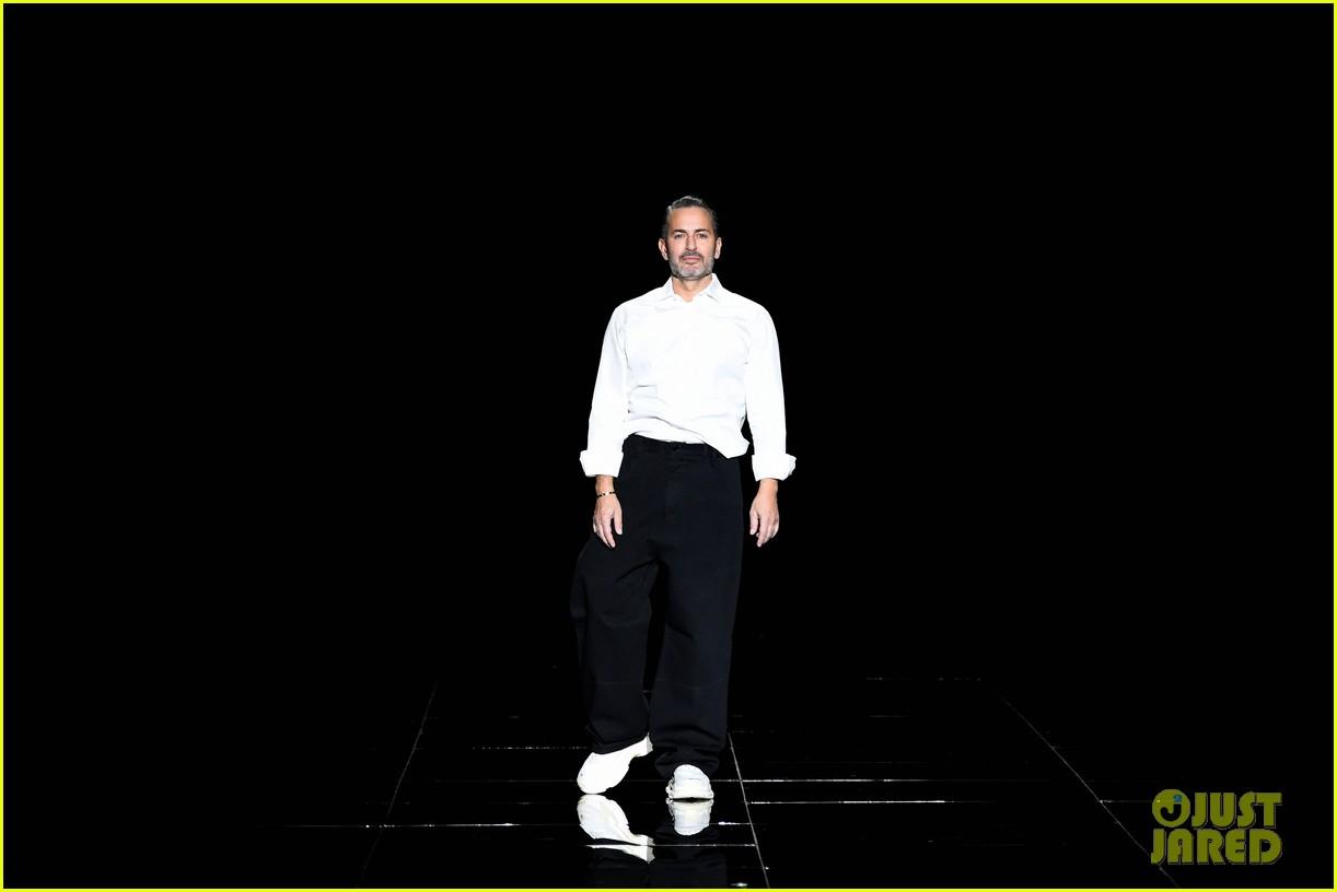 kaia gerber gigi hadid marc jacobs fashion show 20