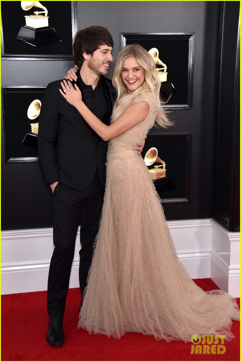 kelsea ballerini morgan evans grammys red carpet 05