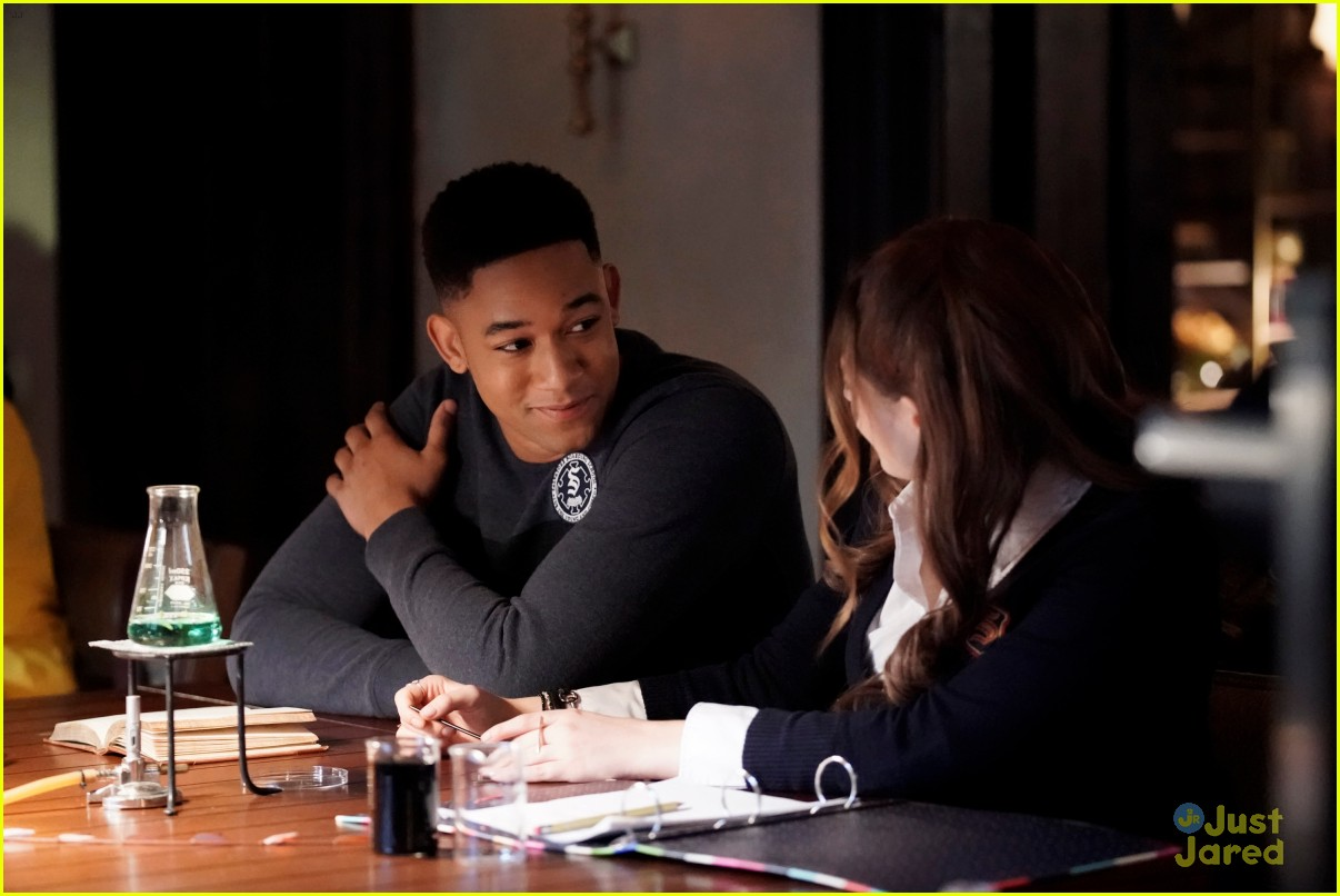 legacies talent show stills kaylee talks 02