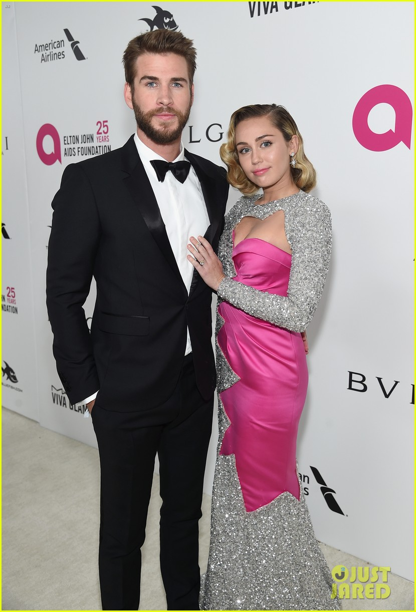 miley cyrus liam hemsworth misses the grammys 03