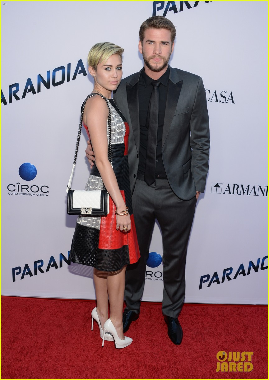miley cyrus liam hemsworth misses the grammys 05