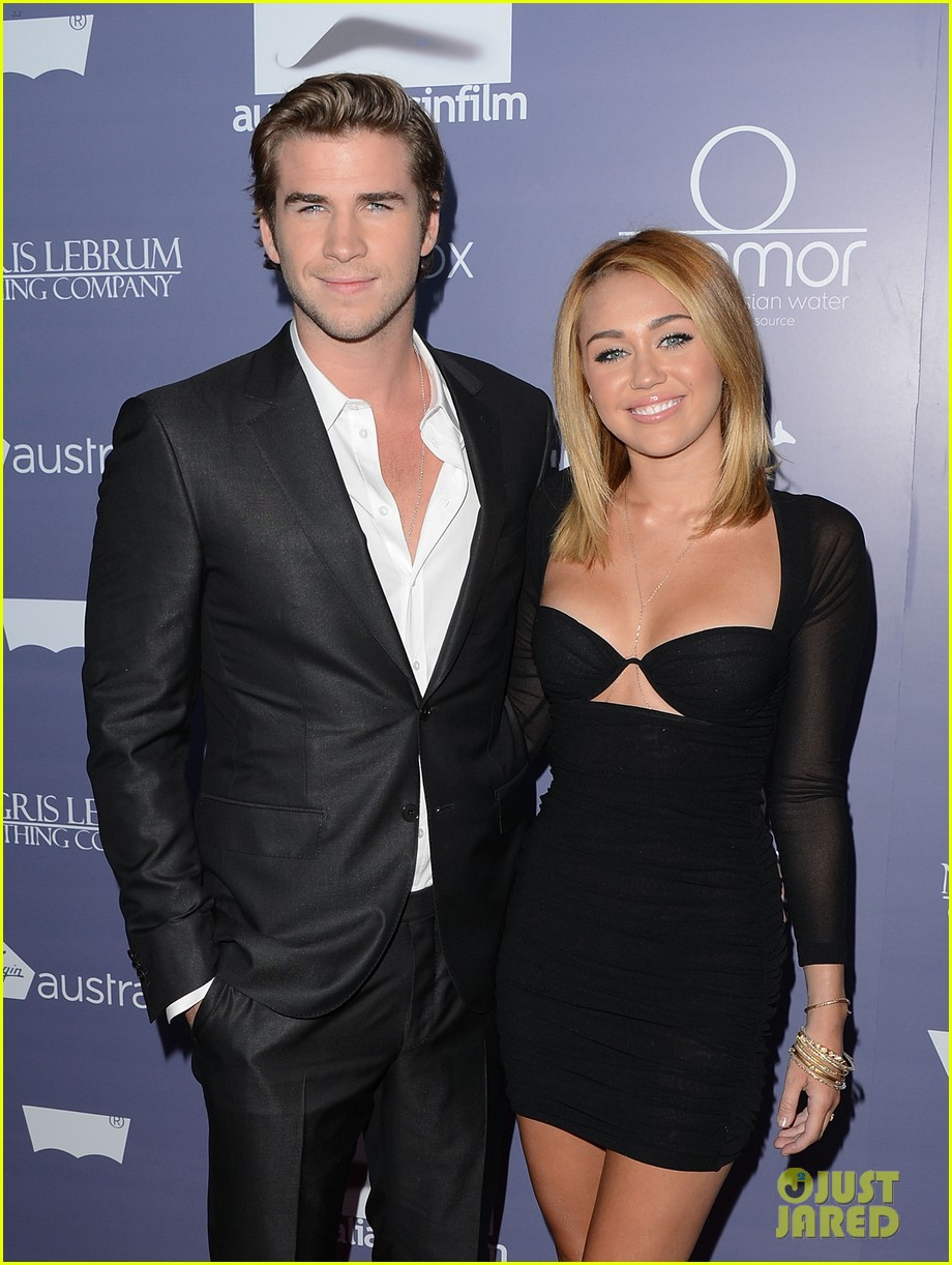 miley cyrus liam hemsworth misses the grammys 08