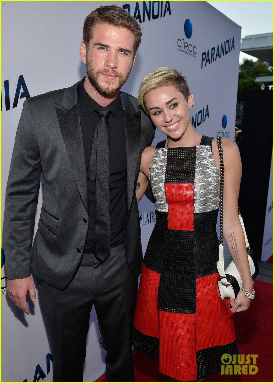 miley cyrus liam hemsworth misses the grammys 10