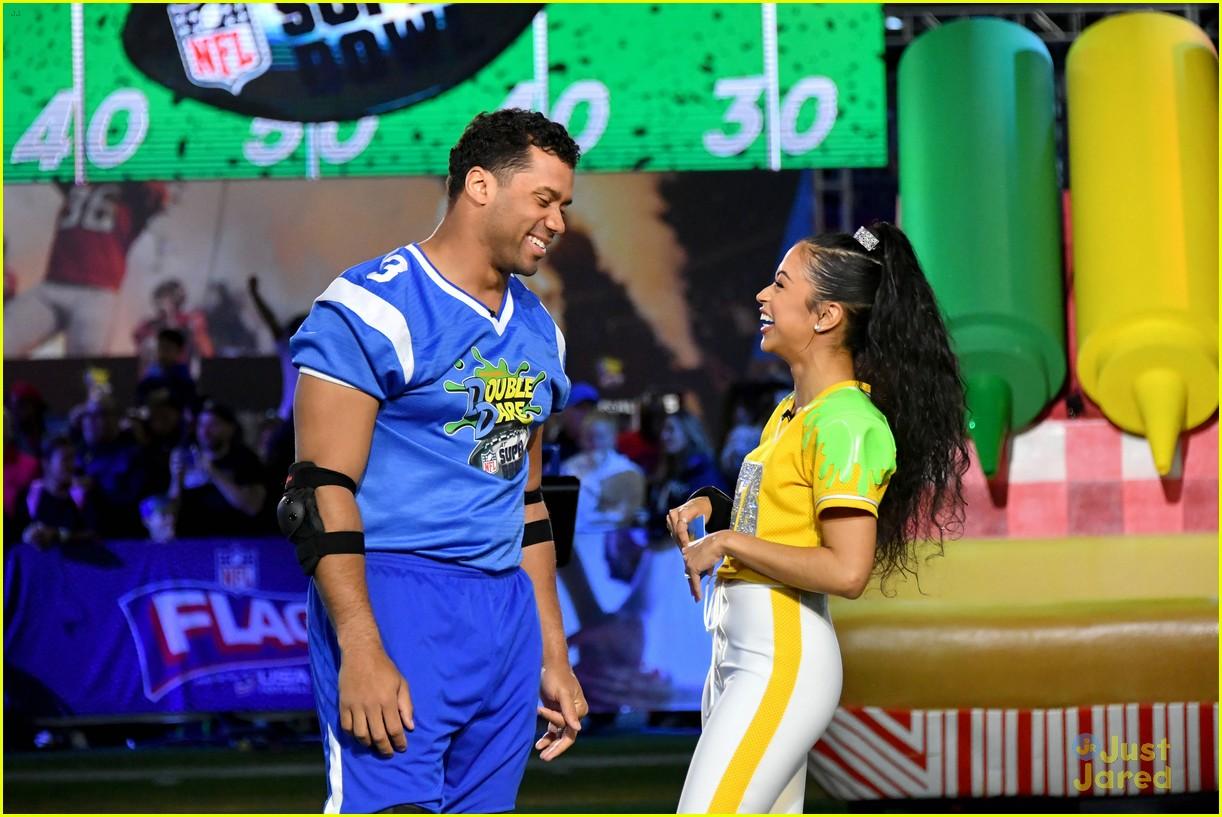 liza koshy double dare football slime event 02