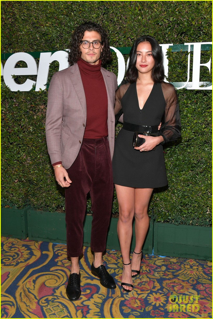isabel may and emery kelly join more netflix stars at teen vogues young hollywood party 15