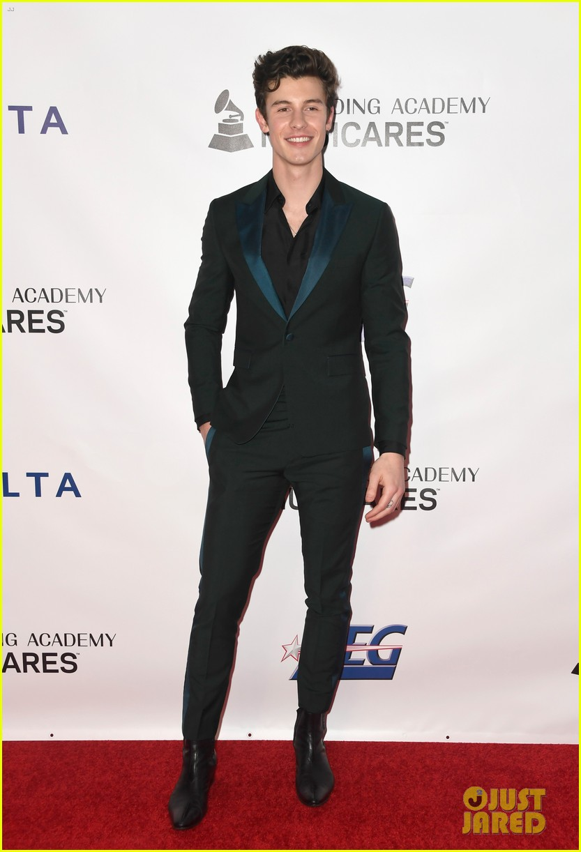 miley cyrus shawn mendes musicares person of the year gala 08