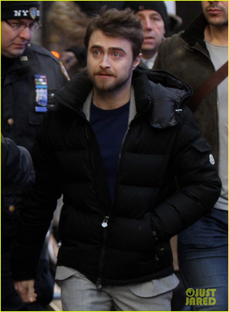 daniel radcliffe is obsessed with the bachelor and colton underwood 02
