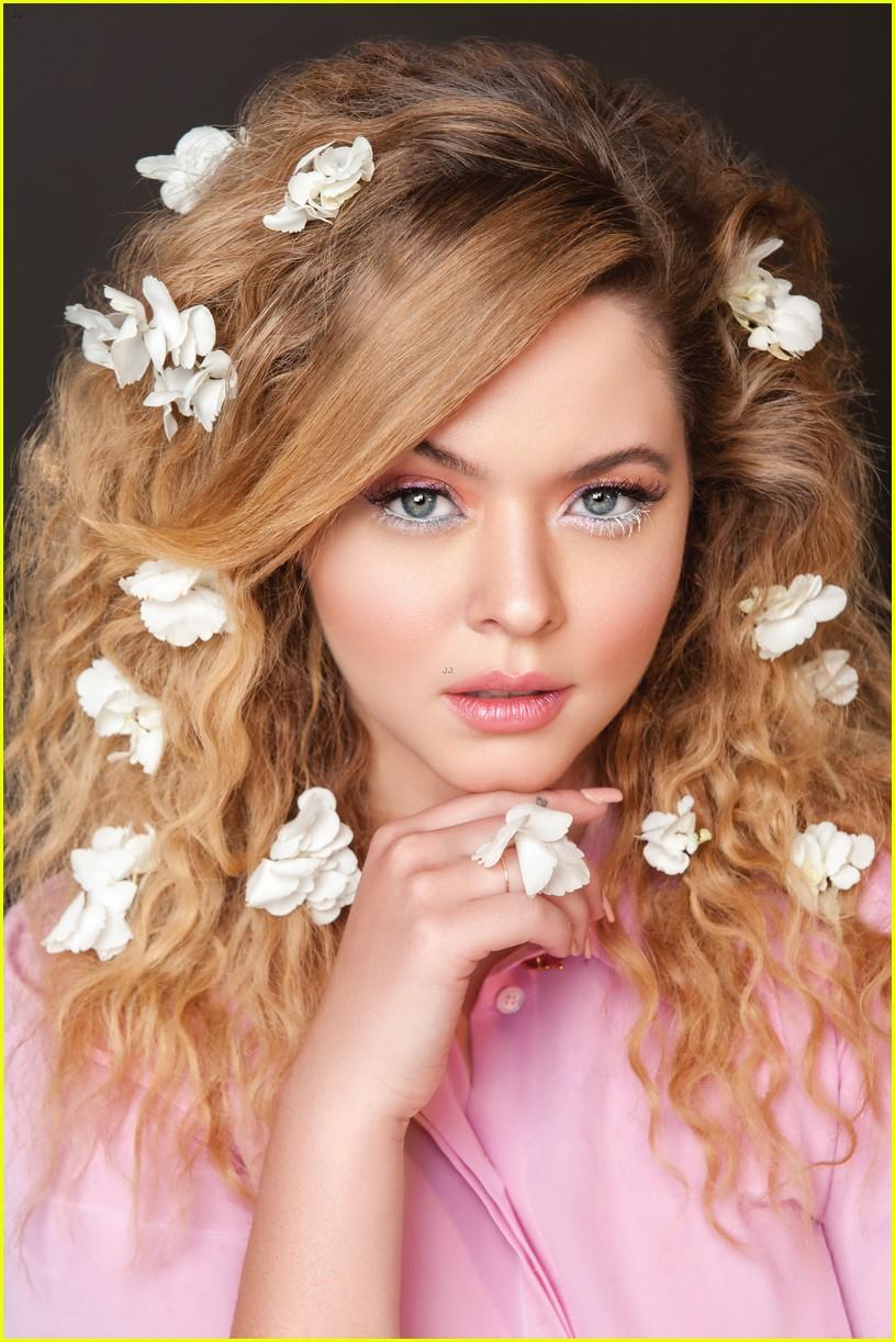 sasha pieterse in love mag beauty 02