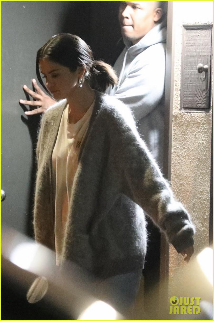 Selena Gomez Spends the Night Recording at the Studio ...  Selena Gomez Sp...