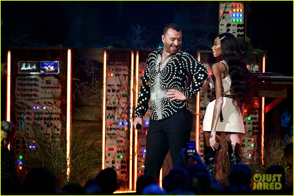 sam smith and calvin harris perform promises at brit awards 2019 01