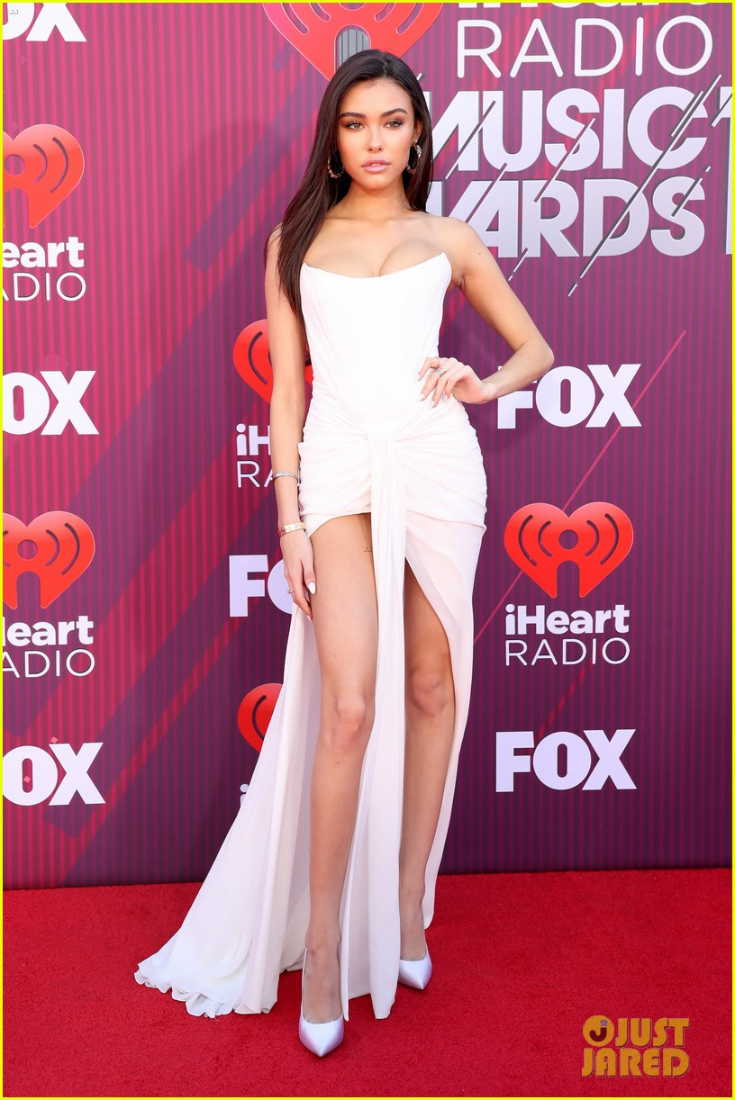 madison beer is a vision in white at iheartradio music awards 01