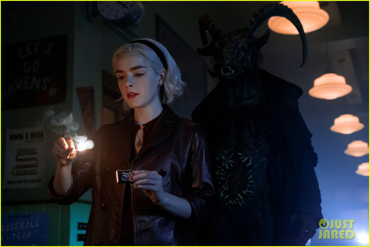 chilling adventures of sabrina season 2 gets release date and poster 01