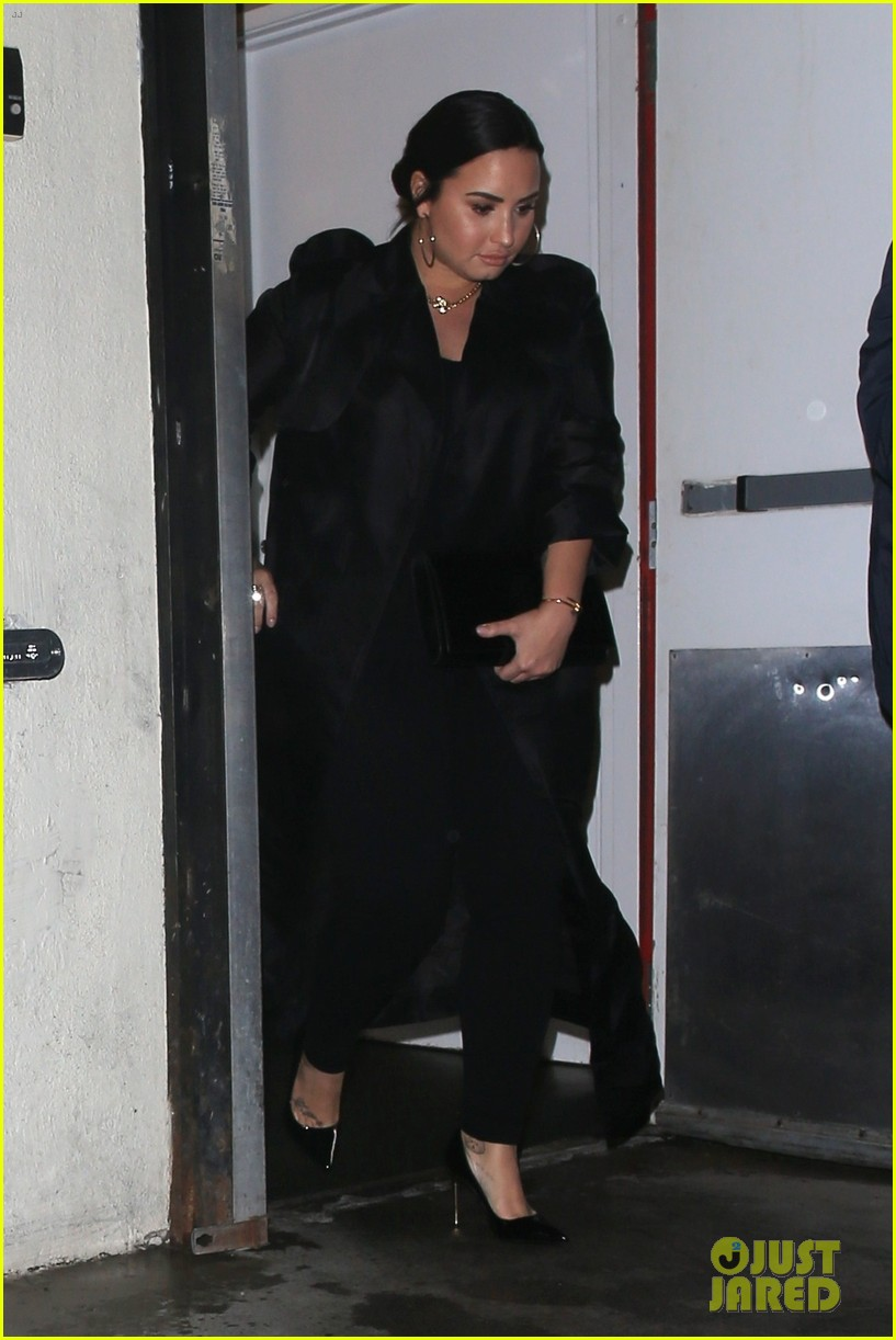 demi lovato late night dinner craigs 01