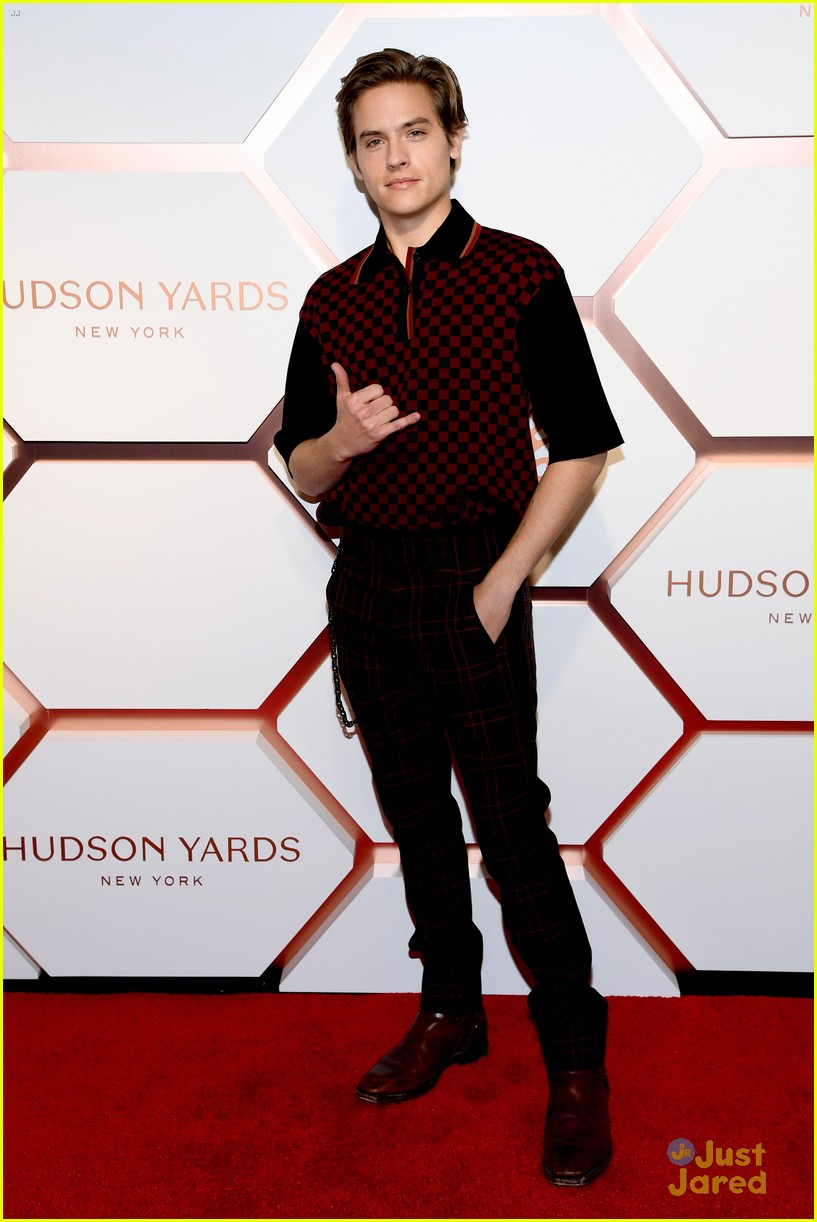 dylan sprouse hudson yard event nyc 01