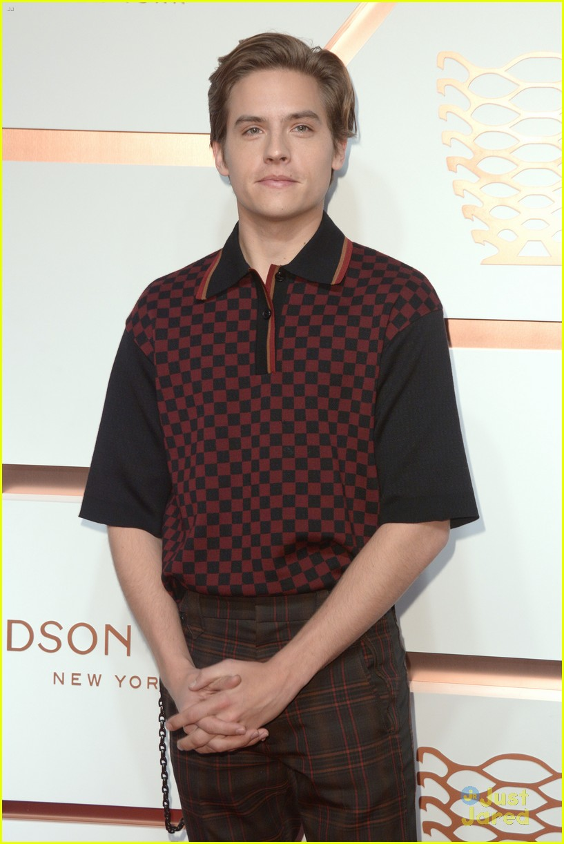 dylan sprouse hudson yard event nyc 04