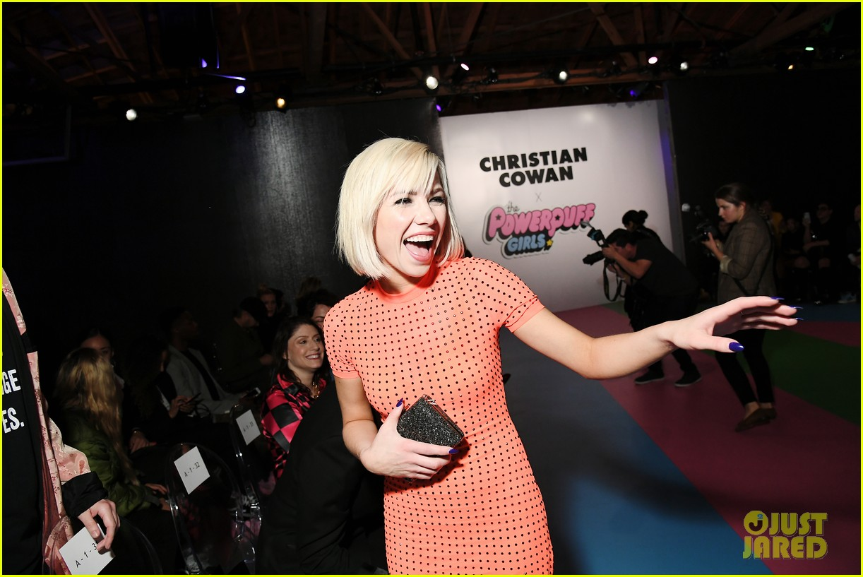 carly rae jepsen skai jackson amanda steele get colorful powerpuff fashion show 01