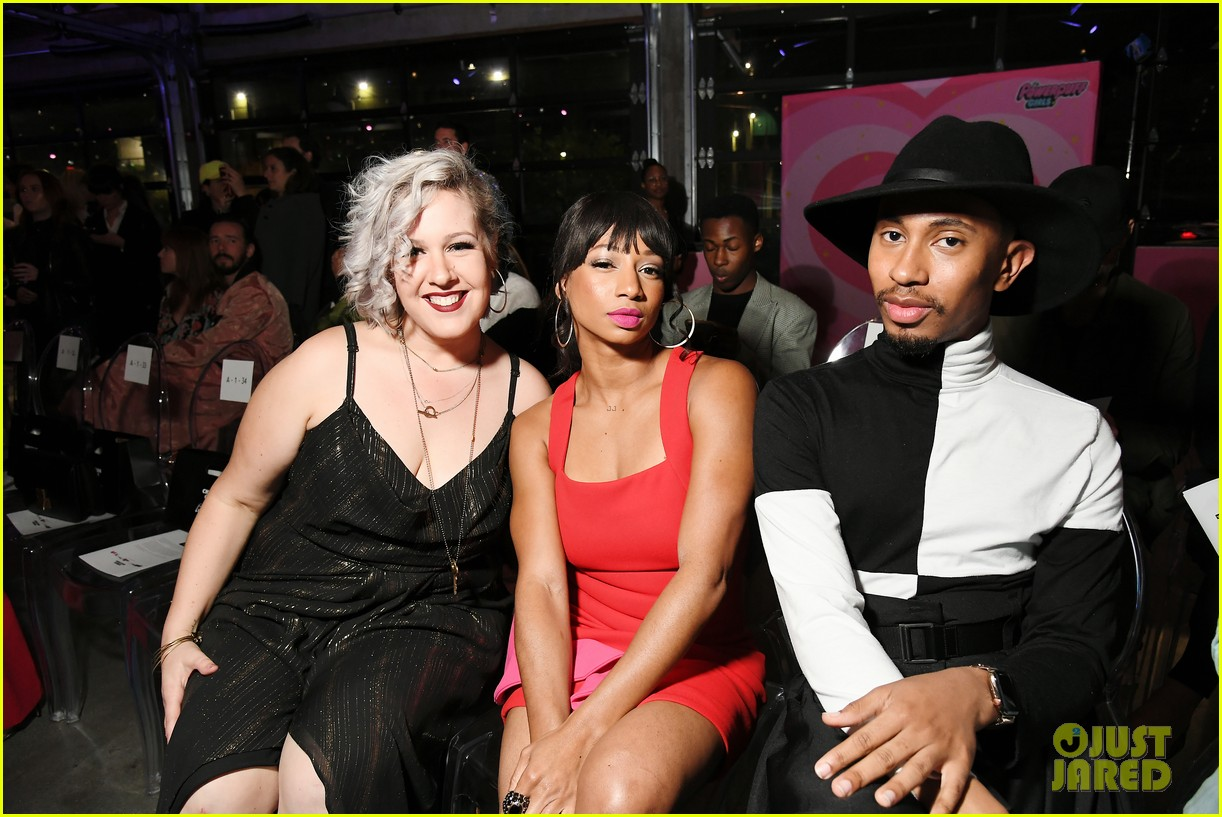 carly rae jepsen skai jackson amanda steele get colorful powerpuff fashion show 05