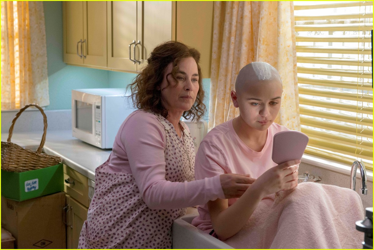 joey king patricia arquette the act 03