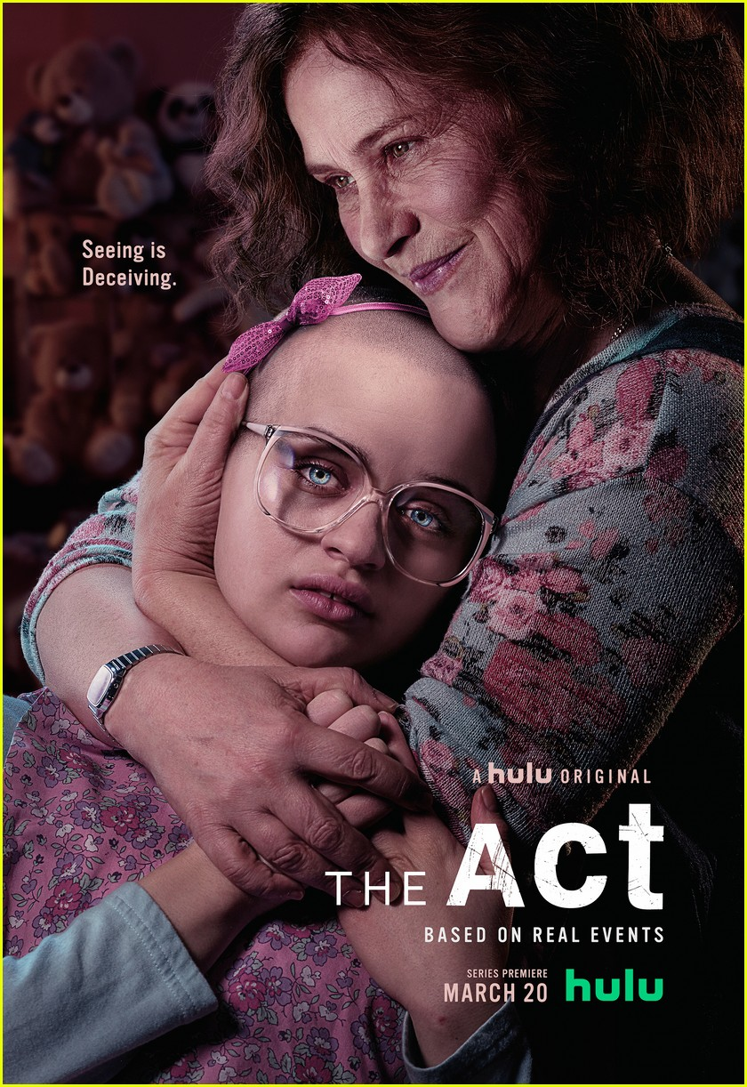 joey king patricia arquette the act 04.