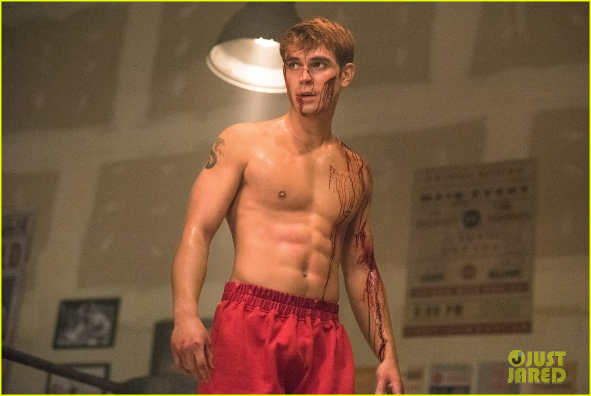 kj apa is bloody shirtless on riverdale tonight 02