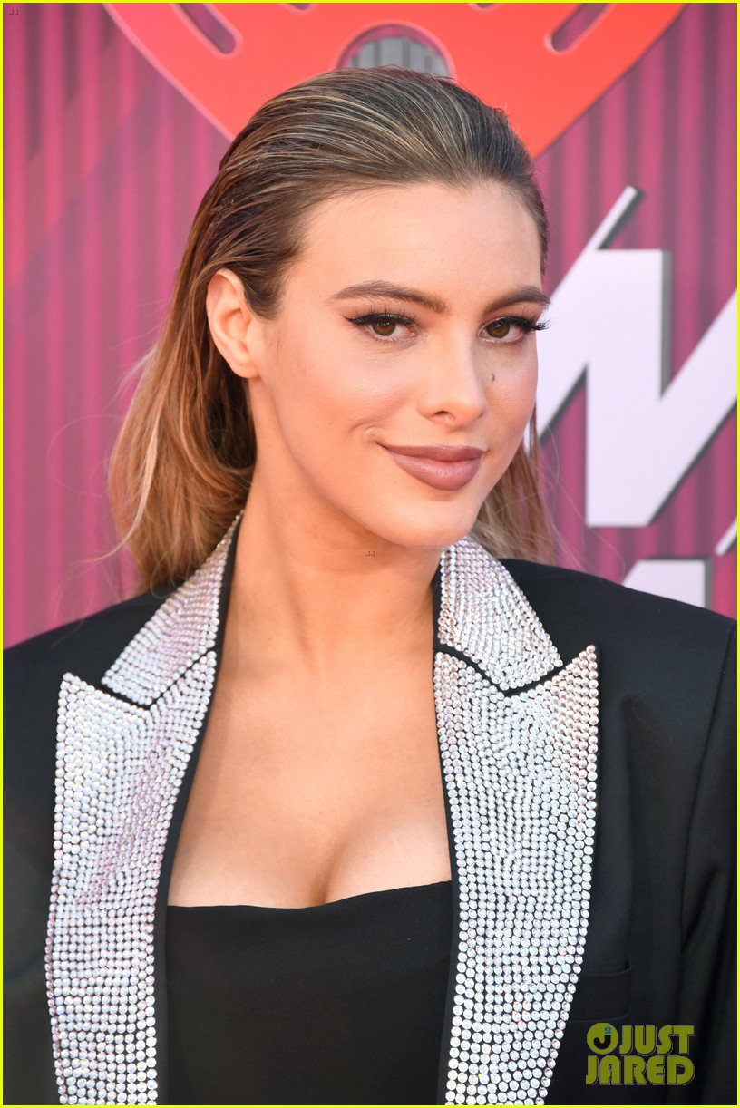 lele pons sparkles at the iheartradio music awards 2019 03