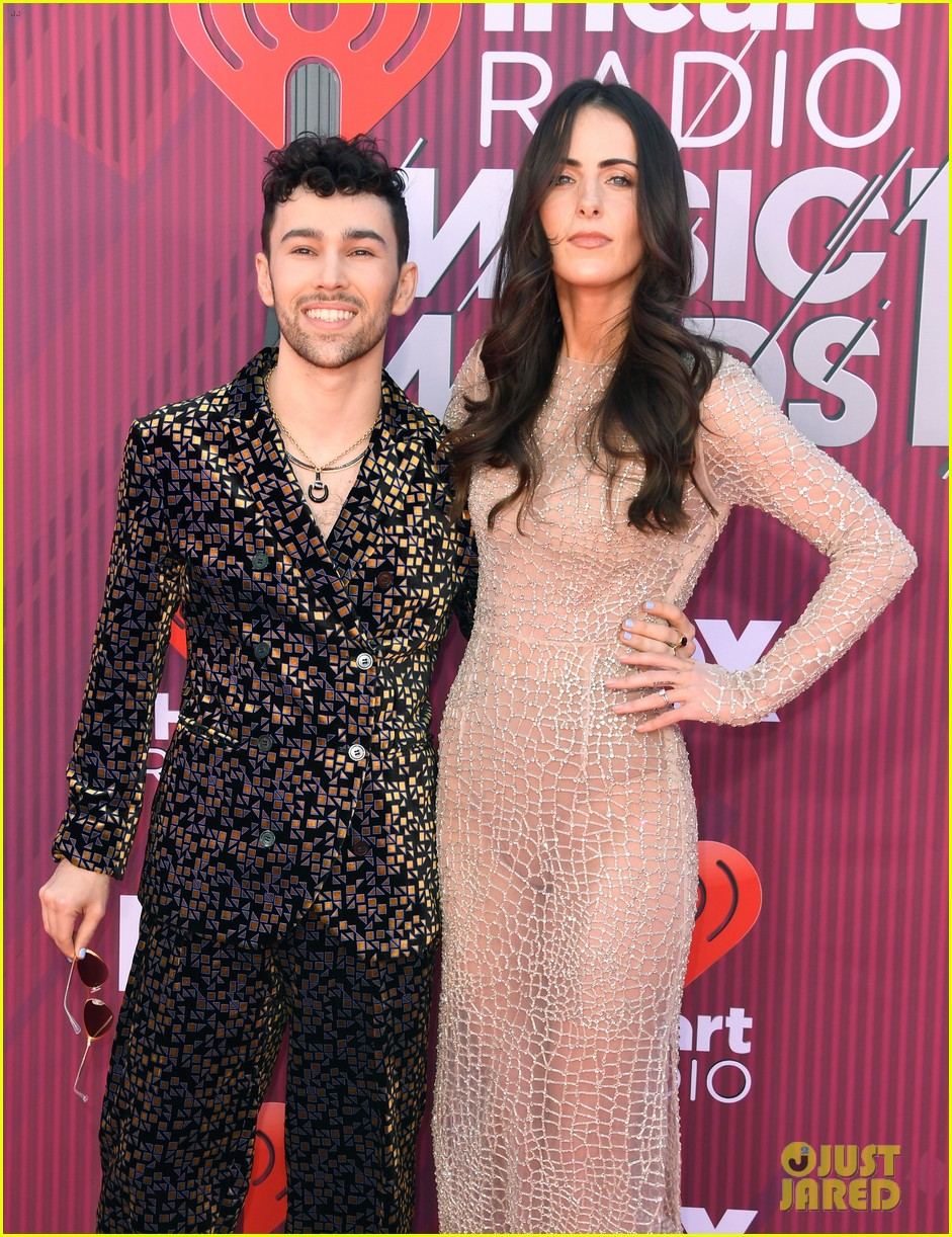 max wife emily skip traditional red carpet attire to iheartradio music awards 02