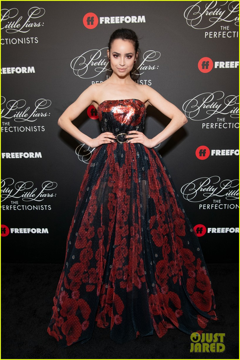 cast of pll the perfectionists stun at los angeles premiere 01