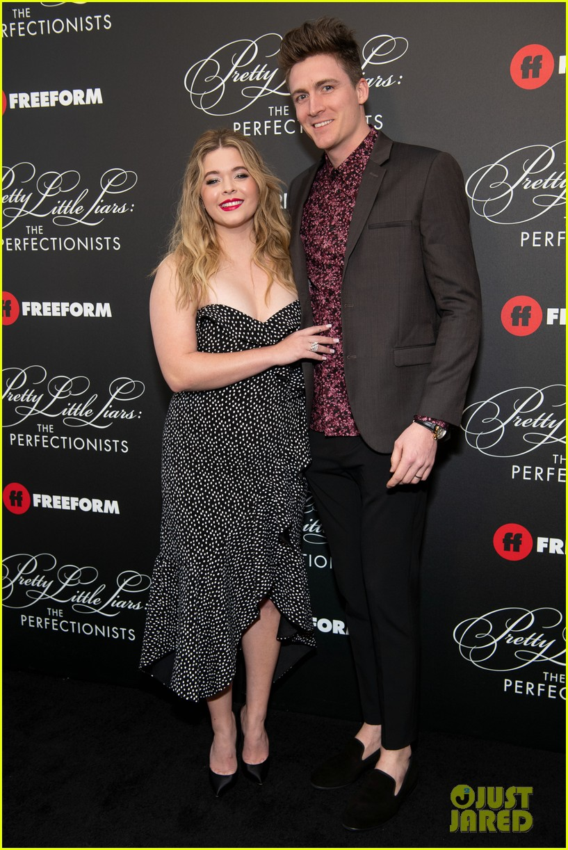cast of pll the perfectionists stun at los angeles premiere 47