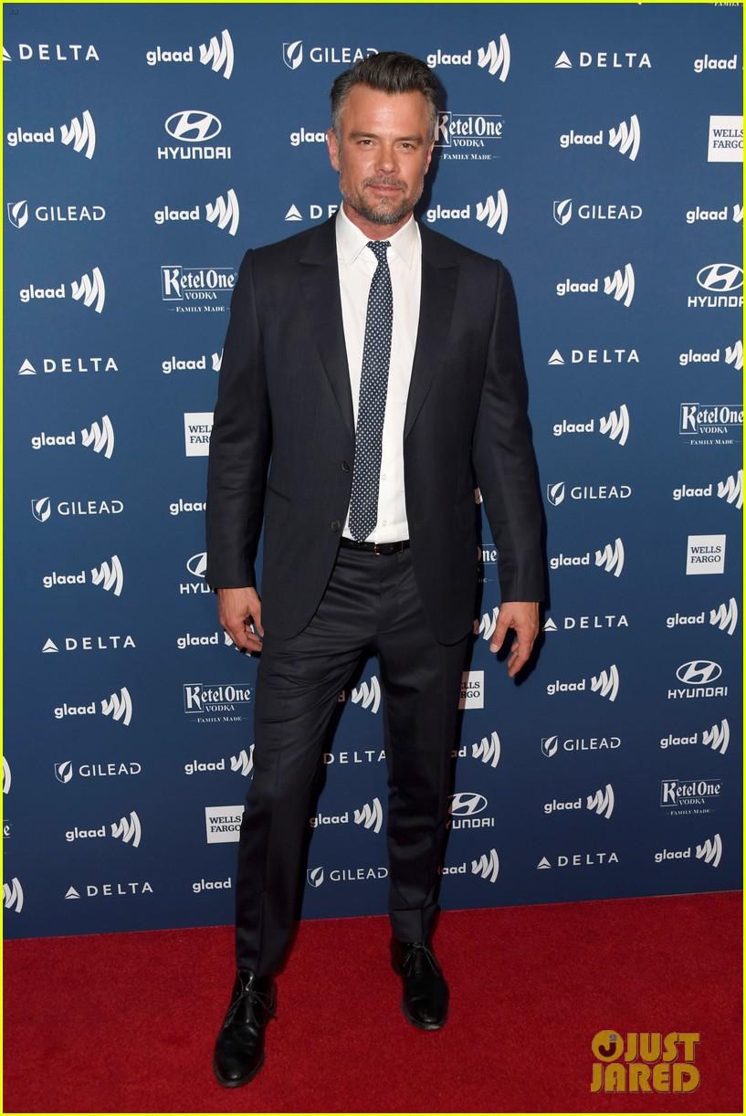 nick robinson love simon glaad media awards 09
