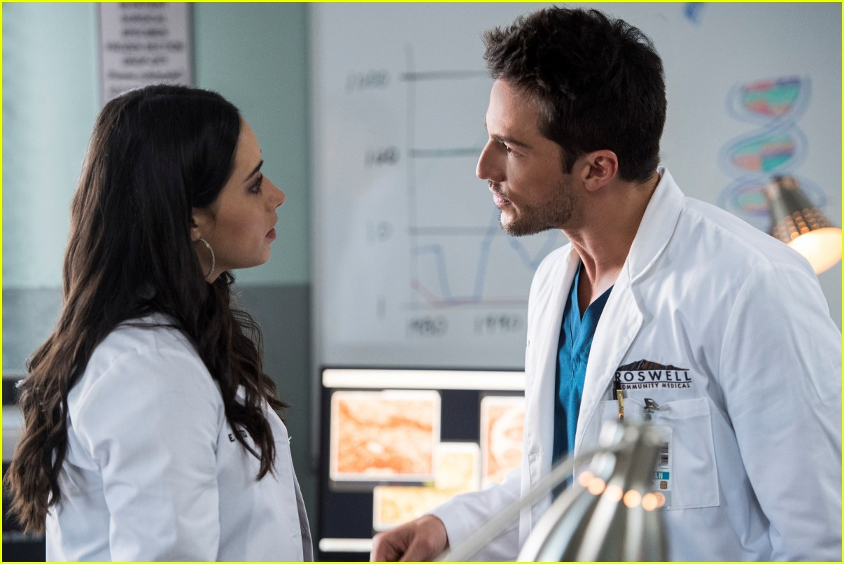 roswell new mexico liz and michael try to save isobel in tonights new episode 11