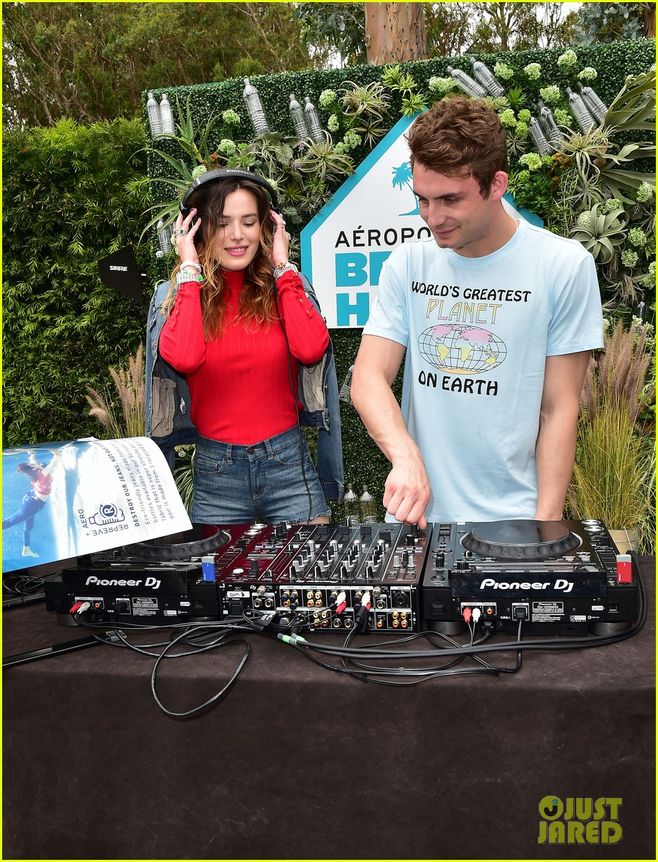 bella thorne stop by aero beach house for sustainable beach retreat 07