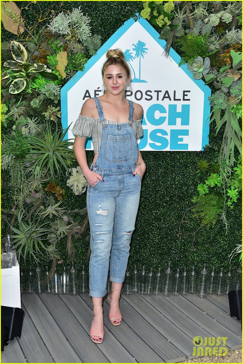 bella thorne stop by aero beach house for sustainable beach retreat 22