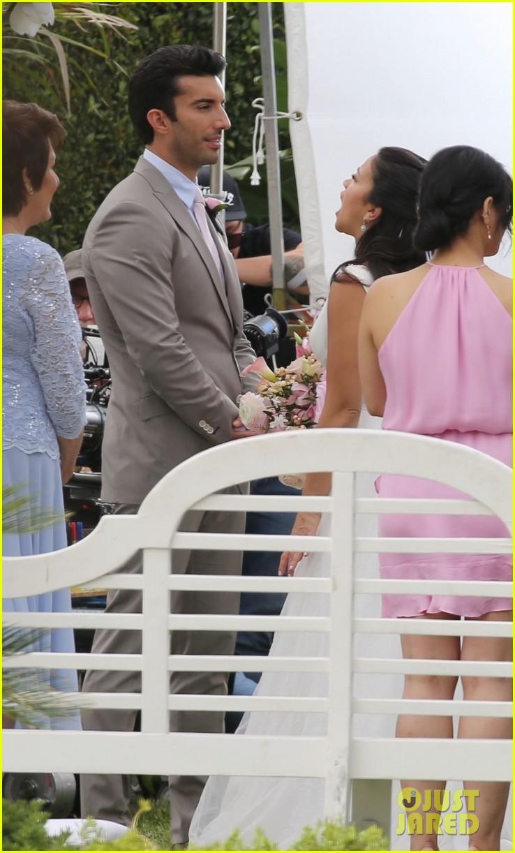 gina rodriguez virgin wedding scene april 2019 03
