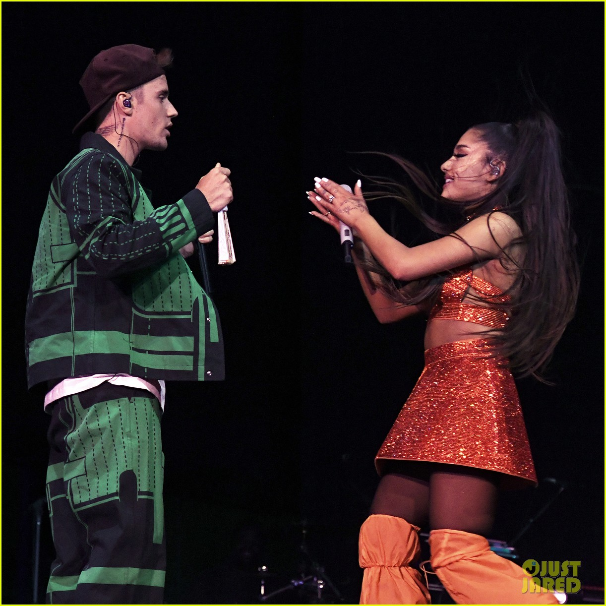 justin bieber joins ariana grandes coachella set for first performance in 2 years 01