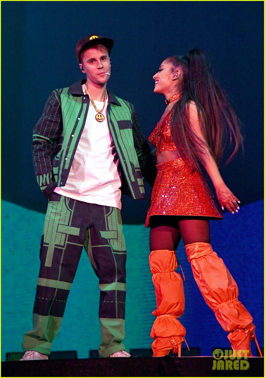 justin bieber joins ariana grandes coachella set for first performance in 2 years 02