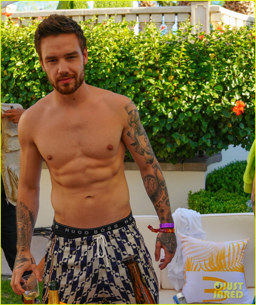 liam payne shows off ripped shirtless body at coachella party with gigi hadid 02