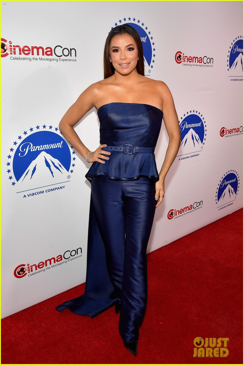 Isabela Moner Brings Dora The Explorer To Las Vegas For